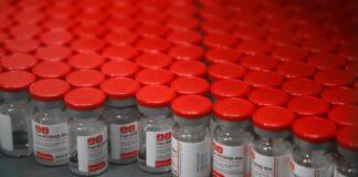 En el inicio de las campañas de inmunización, ¿los fabricantes de vacunas se están quedando sin materias primas?